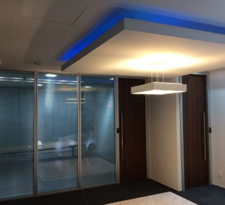 divisórias para escritório com vidros são divisorias para escritorio de alto padrao